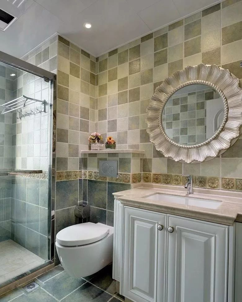 卫生间可以解决梳洗需求,同时还能增大收纳空