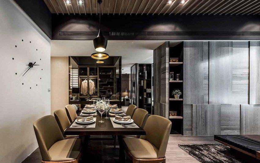 由玄关至客厅、乃至厨房、私领域动线,餐厅机能位于动线折转的中心地带。