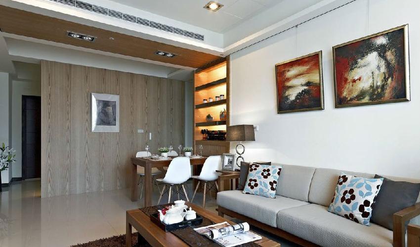 不间断的木皮铺陈,让空间感更加利落简洁。