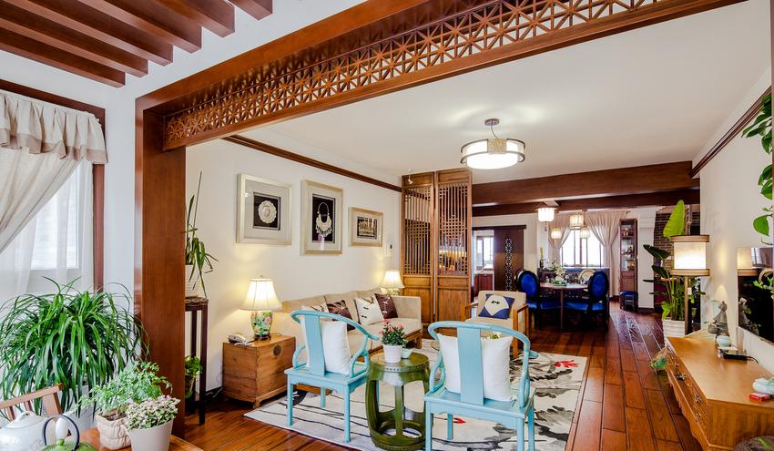 入户、客厅、书房、茶区既洗手区在设计师眼中就是一个整体,简单的陈设疏密对其区分。