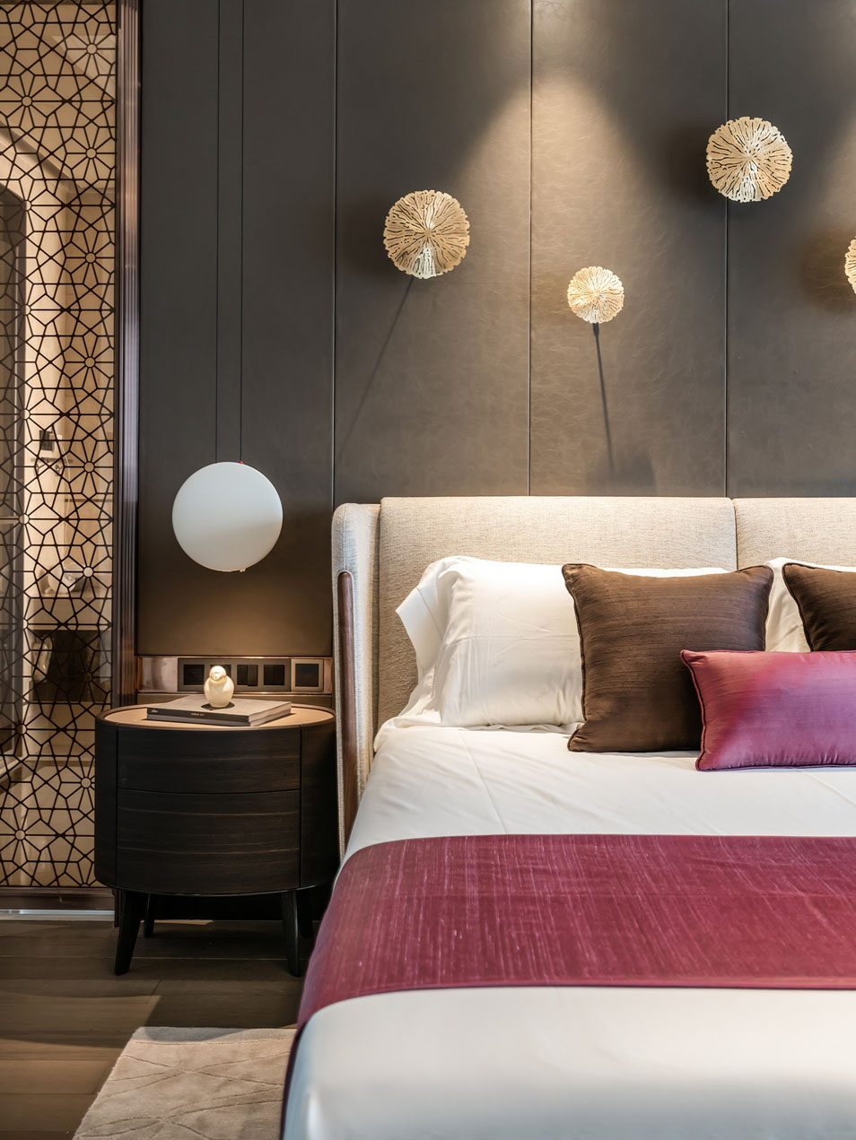 5间卧室都配独立卫生间,一家6口低调入住300㎡大豪宅。